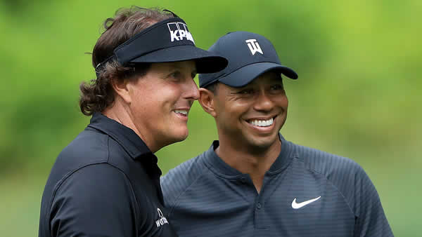 Picture of Phil Mickelson and Tiger Woods