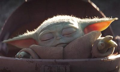 baby yoda use the force