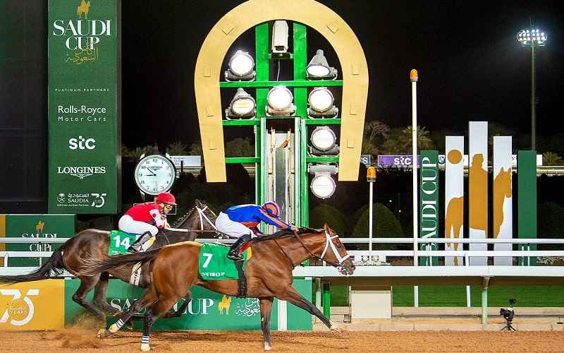 photo finish of maximum security winning the 2020 saudi cup