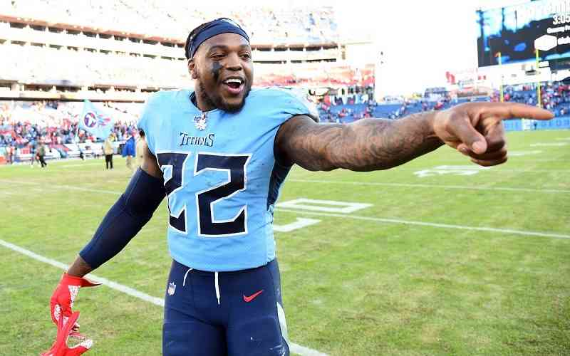 Derrick Henry pointing