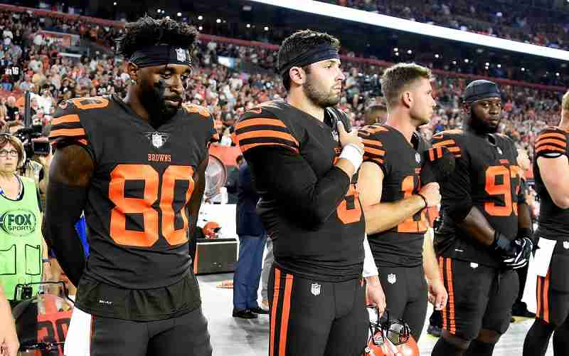 Cleveland Browns Jarvis Landry and Baker Mayfield on sidelines