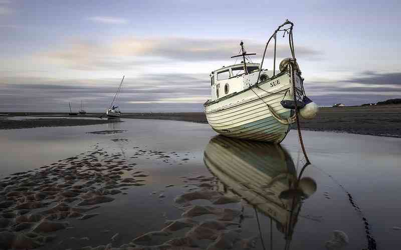 Ebb does not sink crypto boats